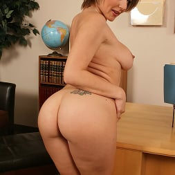 Velicity Von in 'Brazzers' Hawaii Tickets Up For Grabs (Thumbnail 4)