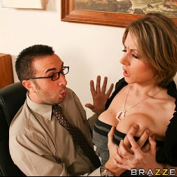 Velicity Von in 'Brazzers' Hawaii Tickets Up For Grabs (Thumbnail 6)