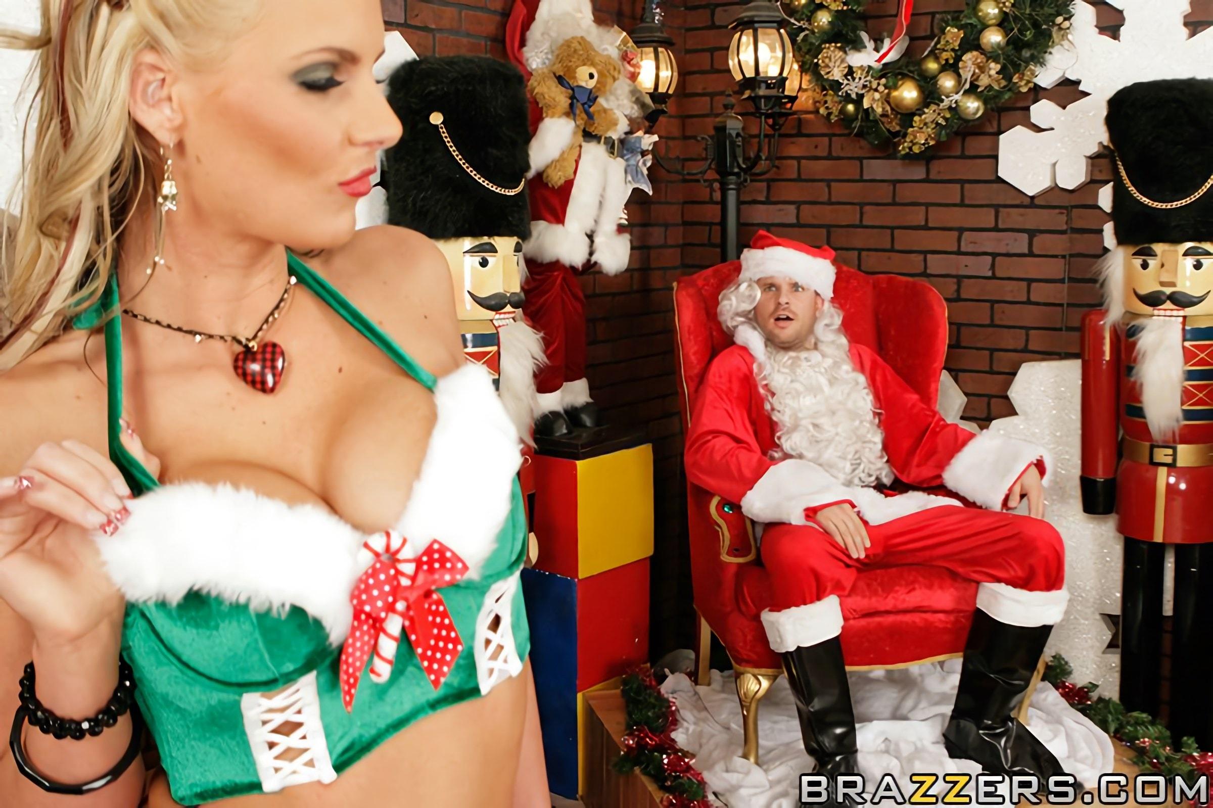 Brazzers 'Santas Busty Helper' starring Phoenix Marie (Photo 5)