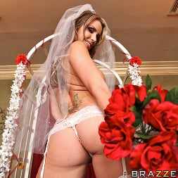 Courtney Cummz in 'Brazzers' Fuck Me Tender (Thumbnail 3)