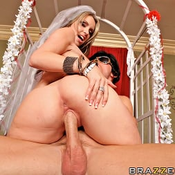 Courtney Cummz in 'Brazzers' Fuck Me Tender (Thumbnail 15)