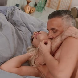 Kenna James in 'Brazzers' Sex Addict Therapy (Thumbnail 5)
