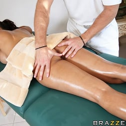 Isis Love in 'Brazzers' Spa Fuck (Thumbnail 7)