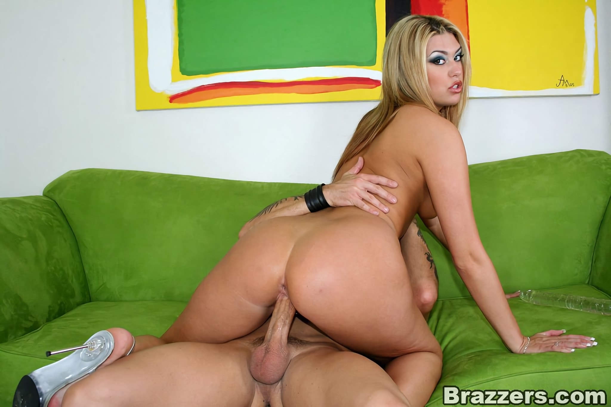 Brazzers 'Big Ass Teen pounded' starring Tiffany Rayne (Photo 10)