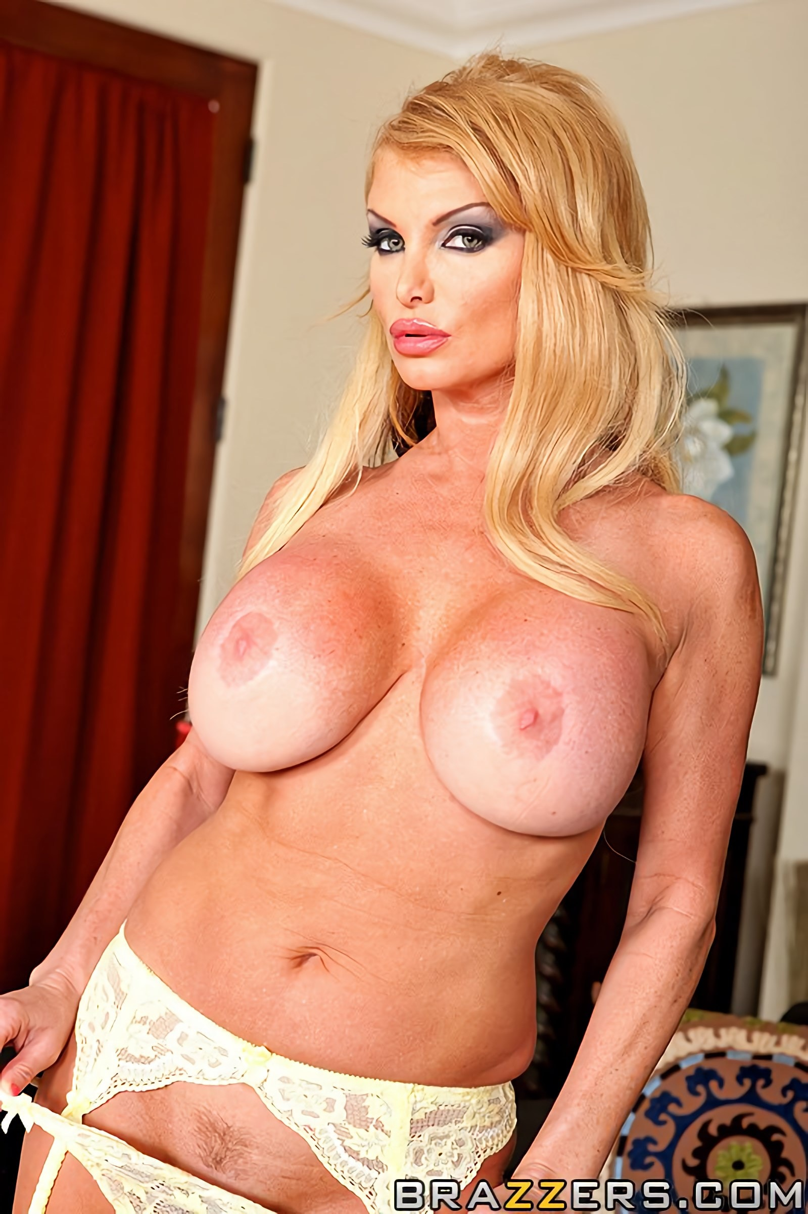 Brazzers 'House of Sluts- Chapter 2' starring Taylor Wane (Photo 4)
