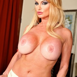 Taylor Wane in 'Brazzers' House of Sluts- Chapter 2 (Thumbnail 4)