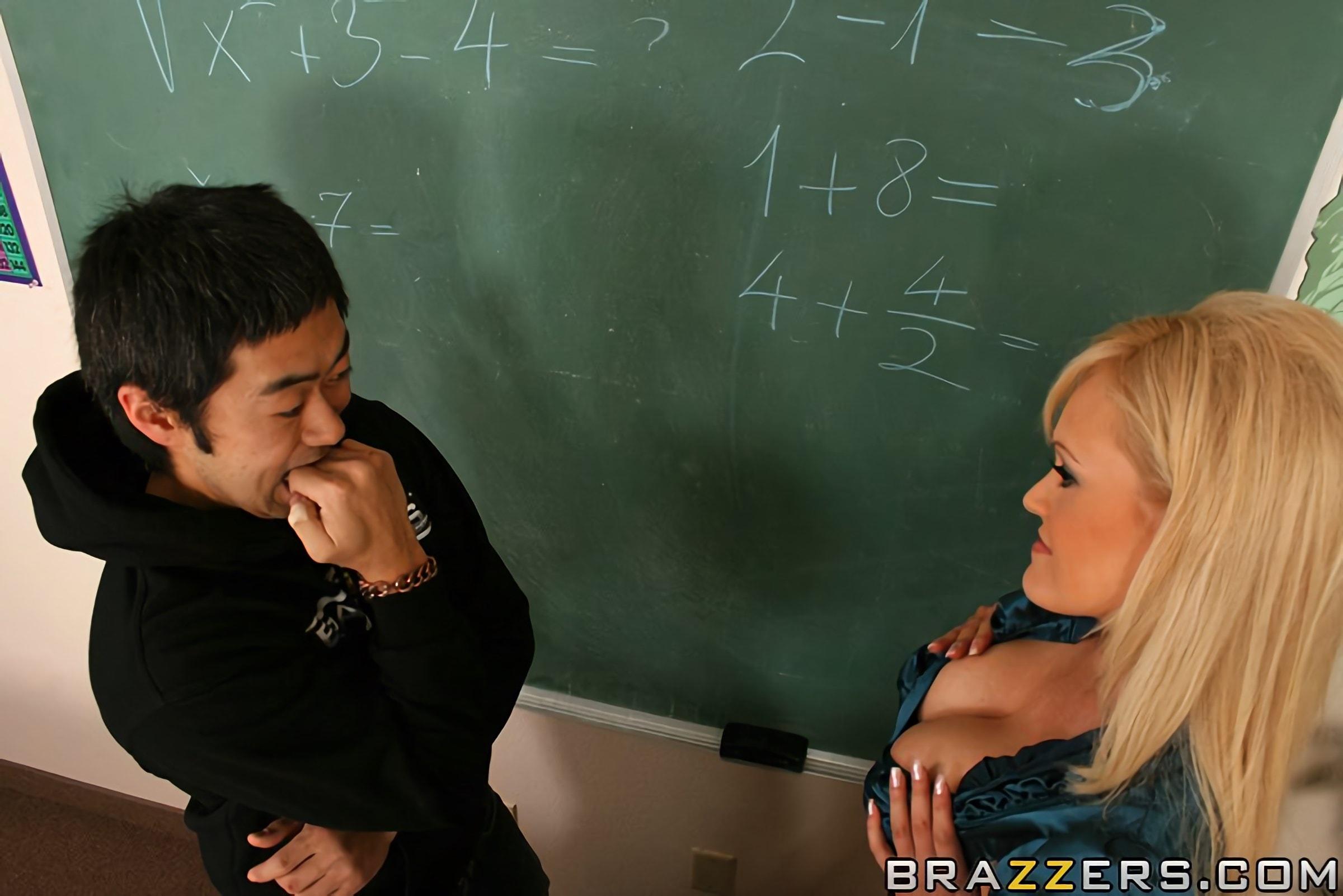 Brazzers 'Математика нового возраста' Ролях Nomi Sunshyne (Фото 5)
