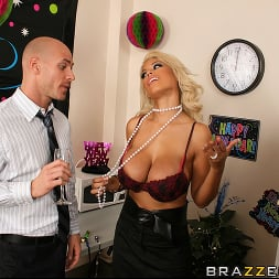 Bridgette B in 'Brazzers' Starting The New Year With A Bang (Thumbnail 7)