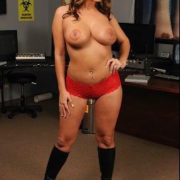 Trina Michaels in 'Brazzers' Nuclear Tits (Thumbnail 4)