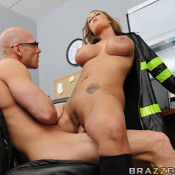 Trina Michaels in 'Brazzers' Nuclear Tits (Thumbnail 14)