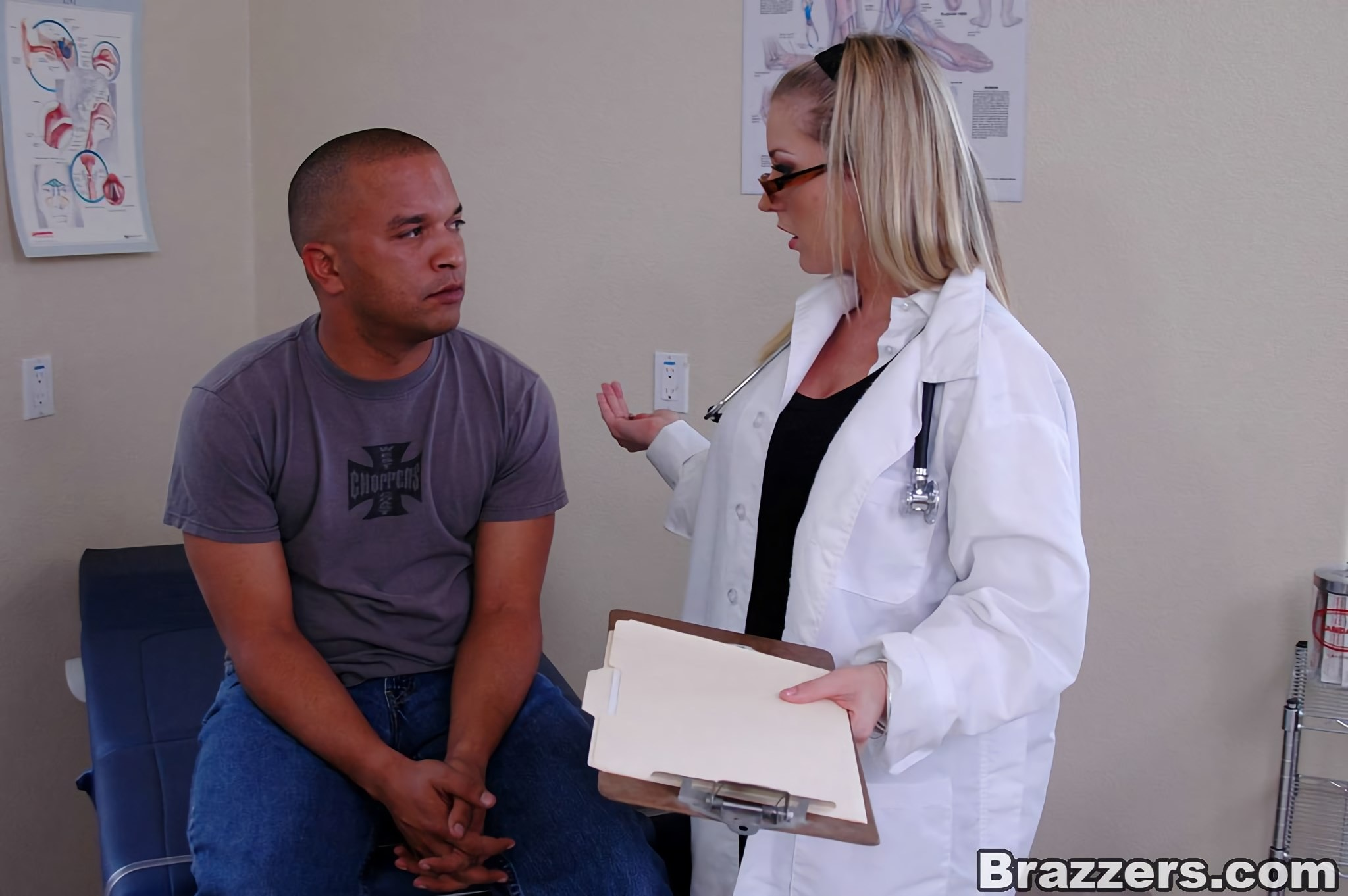Brazzers 'Not Serious Patient' starring Avy Scott (Photo 3)