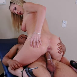 Avy Scott in 'Brazzers' Not Serious Patient (Thumbnail 13)