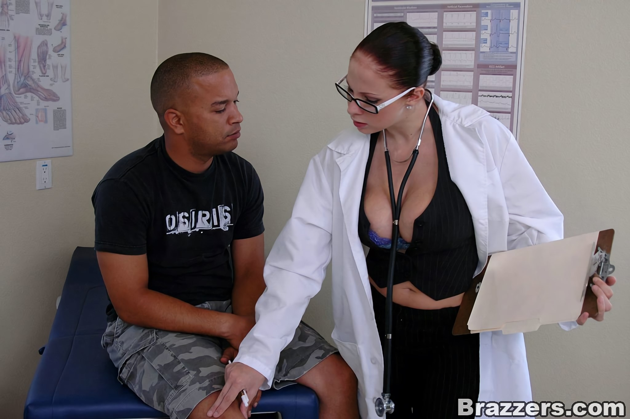 Brazzers 'Major Cleavage' starring Gianna Michaels (Photo 1)