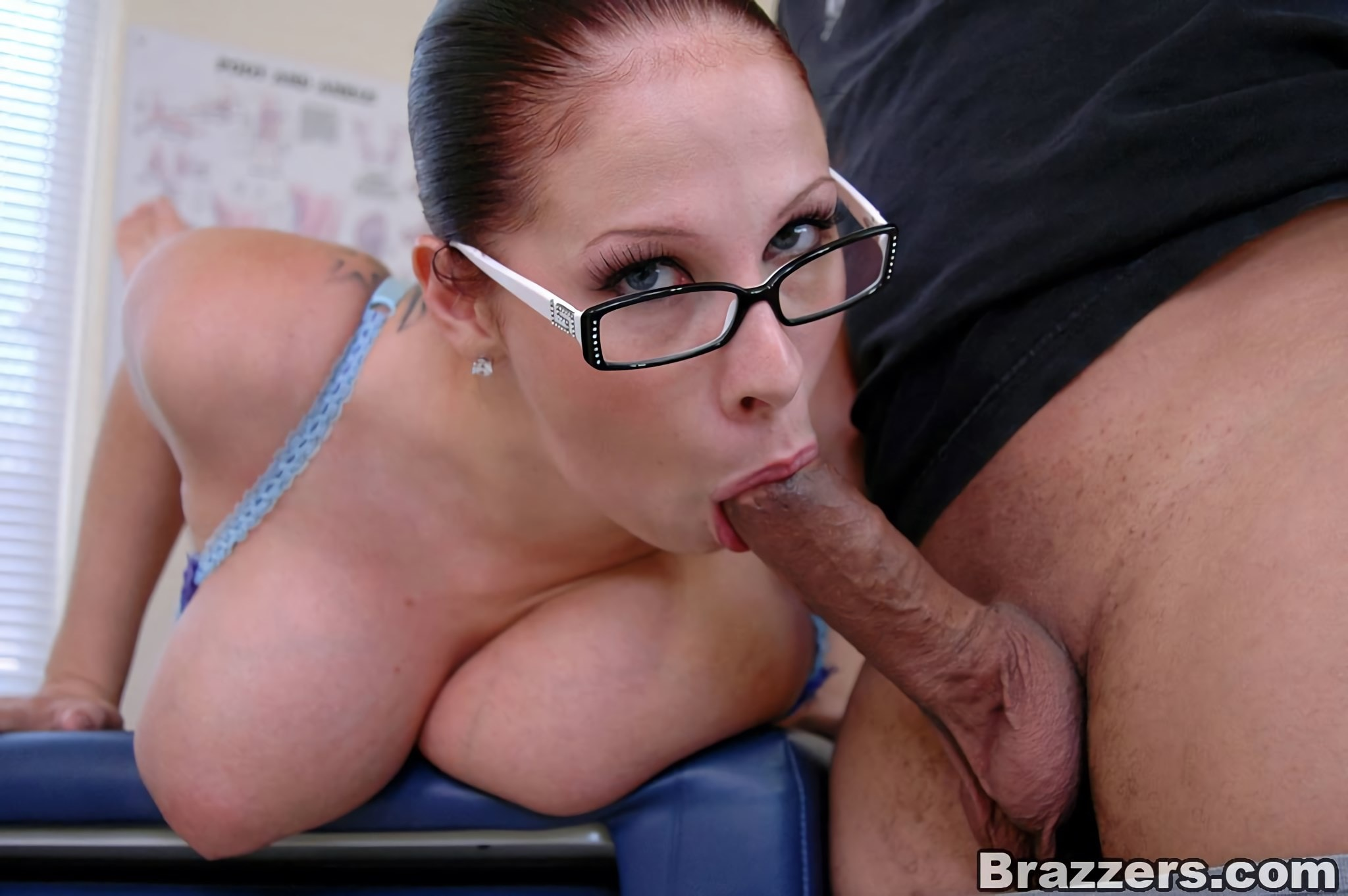 Brazzers 'Major Cleavage' starring Gianna Michaels (Photo 5)