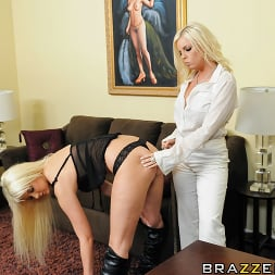 Britney Amber in 'Brazzers' Hustle and Munch (Thumbnail 6)