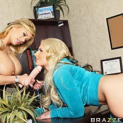 Phoenix Marie in 'Brazzers' Psycho Bitch- The Last Fucking Confrontation (Thumbnail 7)
