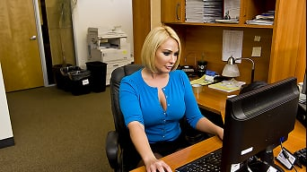 Mellanie Monroe in 'Office Snatch'