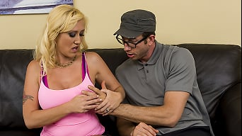 Alana Evans in 'Moms Just Wanna Have Fun'