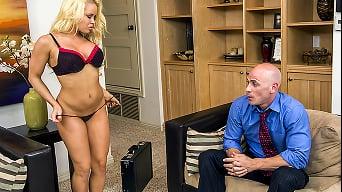 Nikki Delano in 'Shopaholic Pussy'