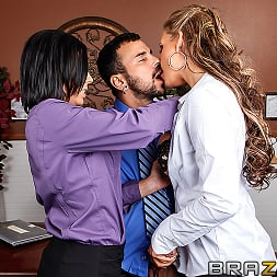 Rachel Starr in 'Brazzers' Sexual Harassment In The Work Place (Thumbnail 6)