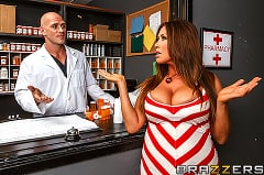 Kianna Dior - Filling her Prescription and Pussy (Thumb 02)