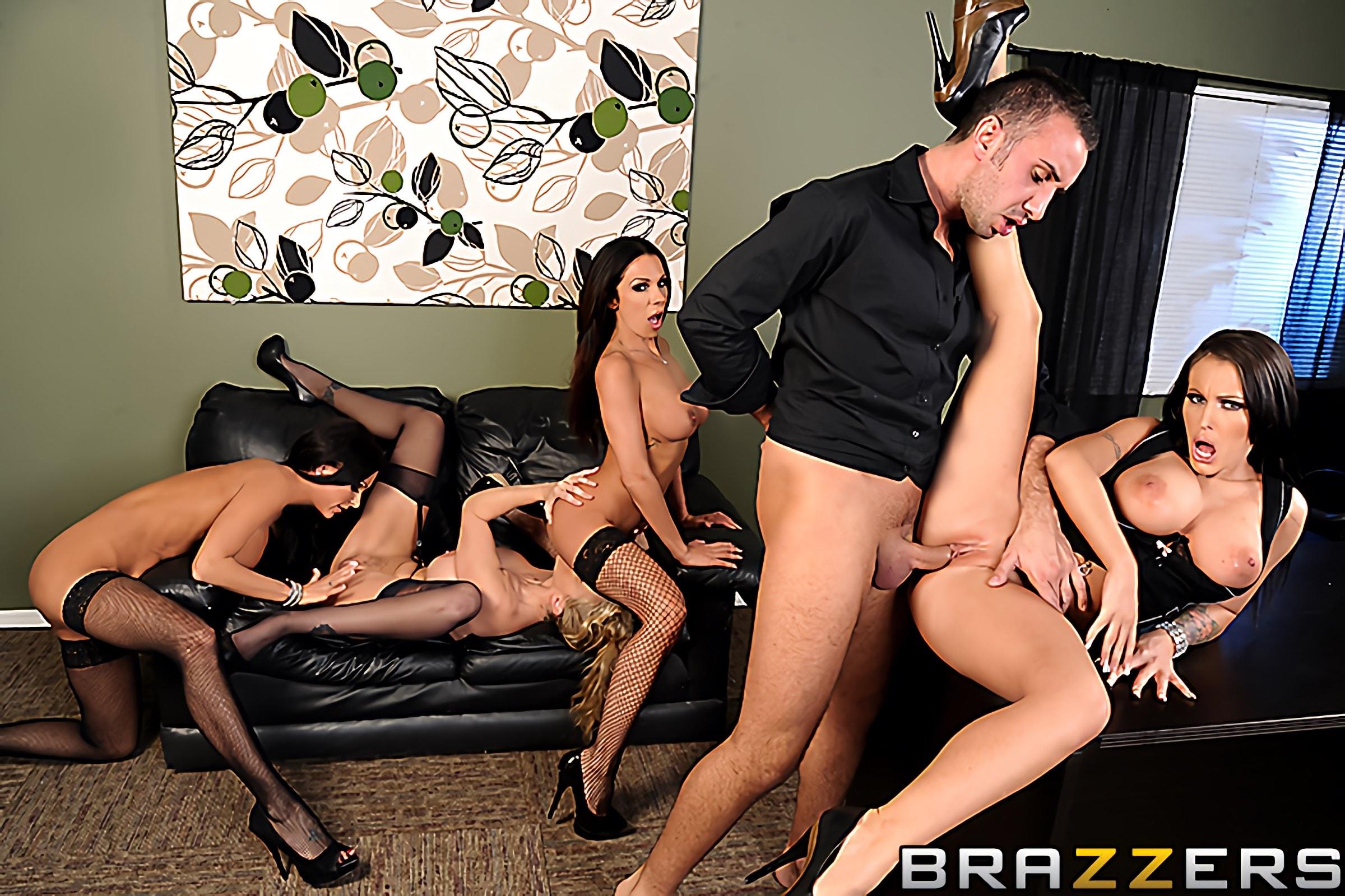 групповое порно бразерс в офисе обнаженных чувств