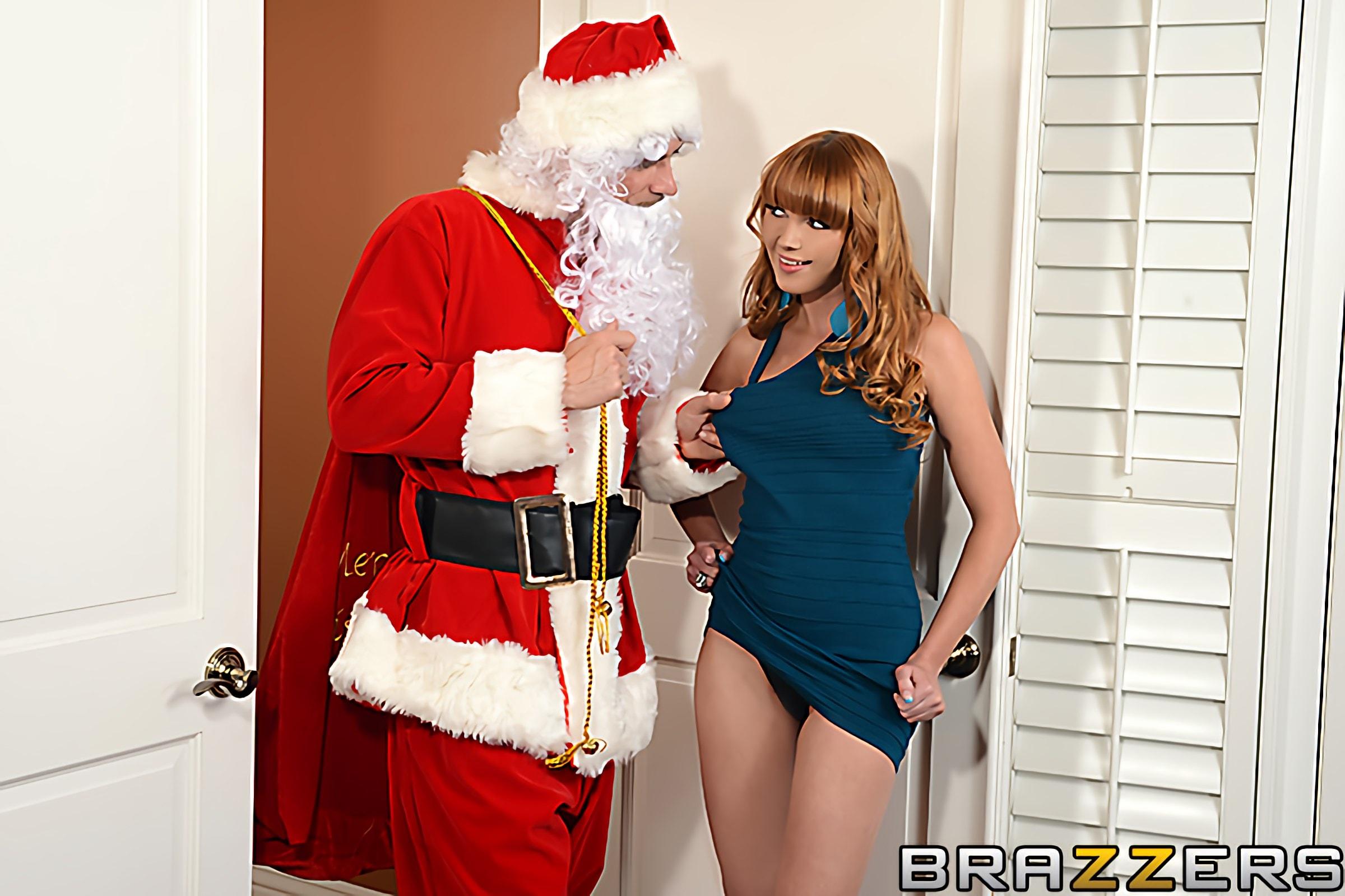 Brazzers 'Shiatsu Santa' starring Marie McCray (Photo 1)