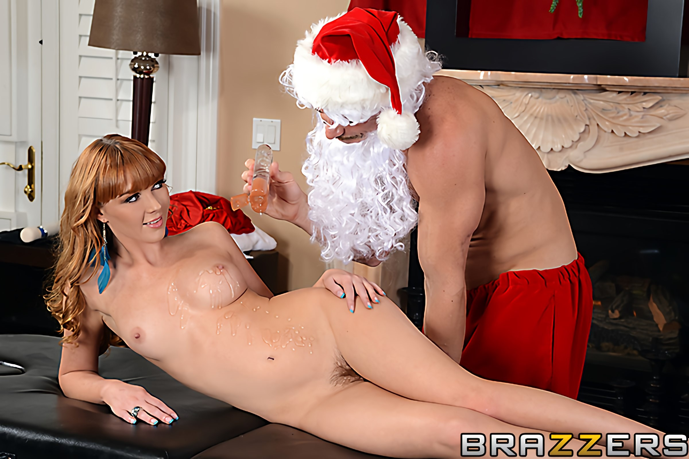 Brazzers 'Shiatsu Santa' starring Marie McCray (Photo 2)