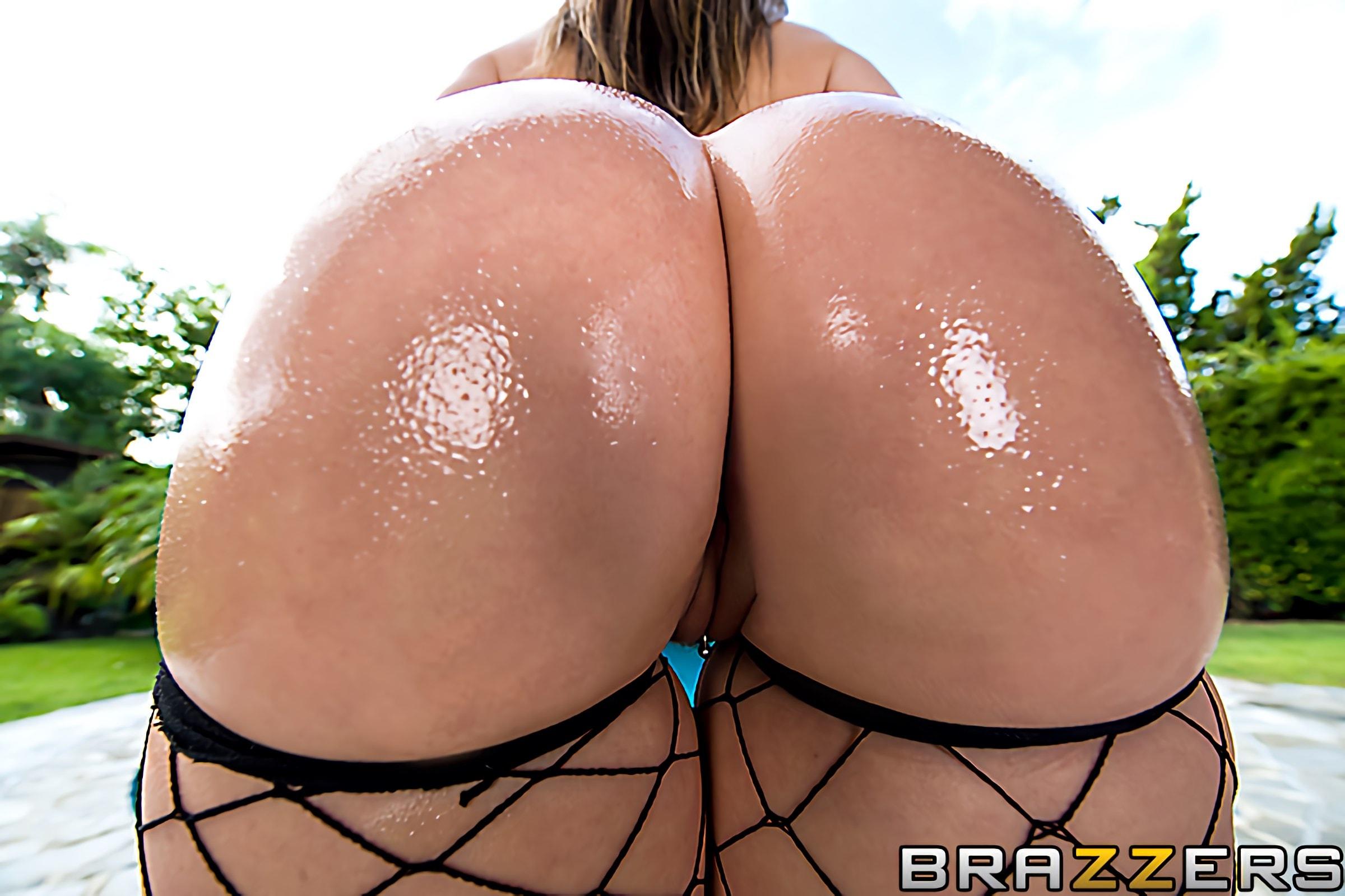 Brazzers 'Get In That Booty' starring Courtney Cummz (Photo 1)