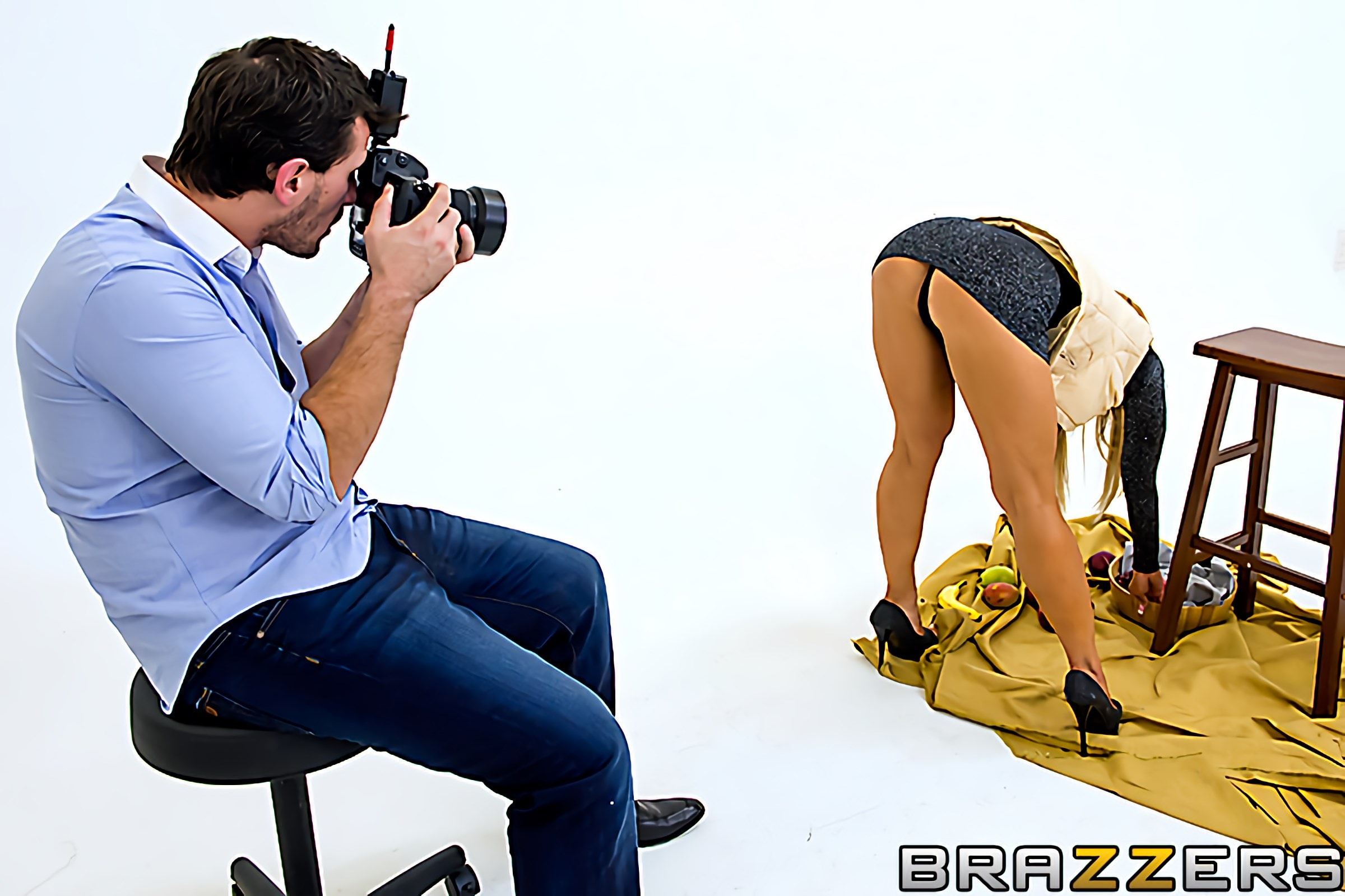 Brazzers 'Centerfold Me Over' starring Amber Lynn (Photo 1)