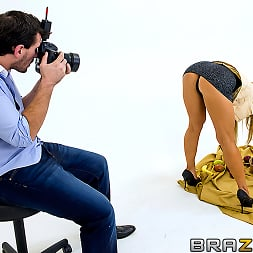 Amber Lynn in 'Brazzers' Centerfold Me Over (Thumbnail 1)