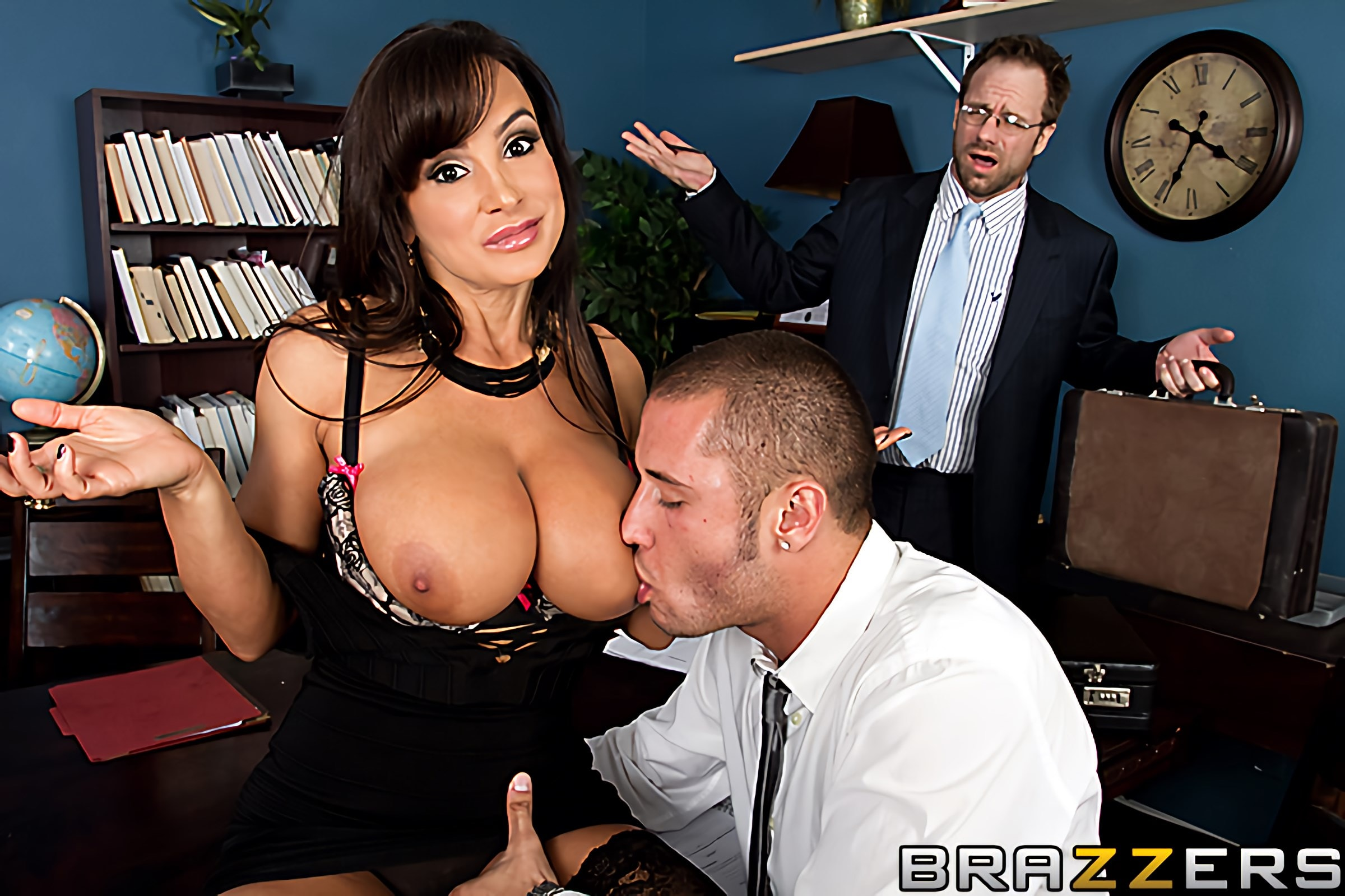 Brazzers 'Settling Out of Cunt' starring Lisa Ann (photo 3)