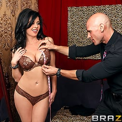 Veronica Avluv in 'Brazzers' The Right Fit (Thumbnail 2)