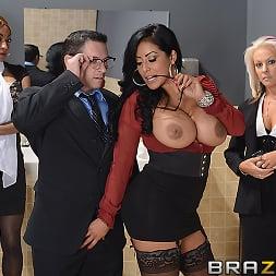 Kiara Mia in 'Brazzers' My Boss Is A Creep (Thumbnail 2)
