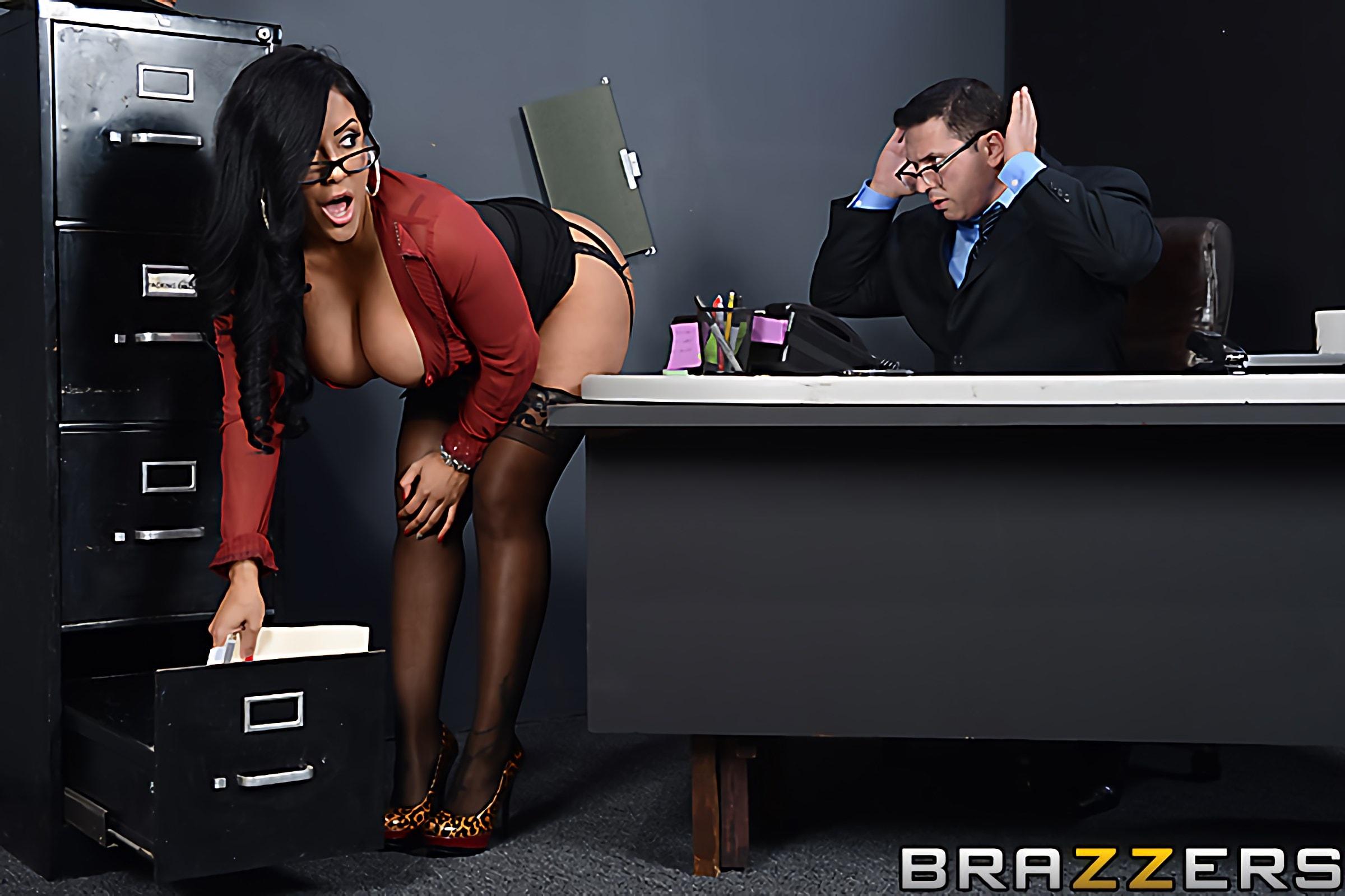 Brazzers 'My Boss Is A Creep' starring Kiara Mia (Photo 8)