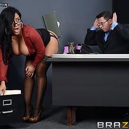 Kiara Mia in 'Brazzers' My Boss Is A Creep (Thumbnail 8)