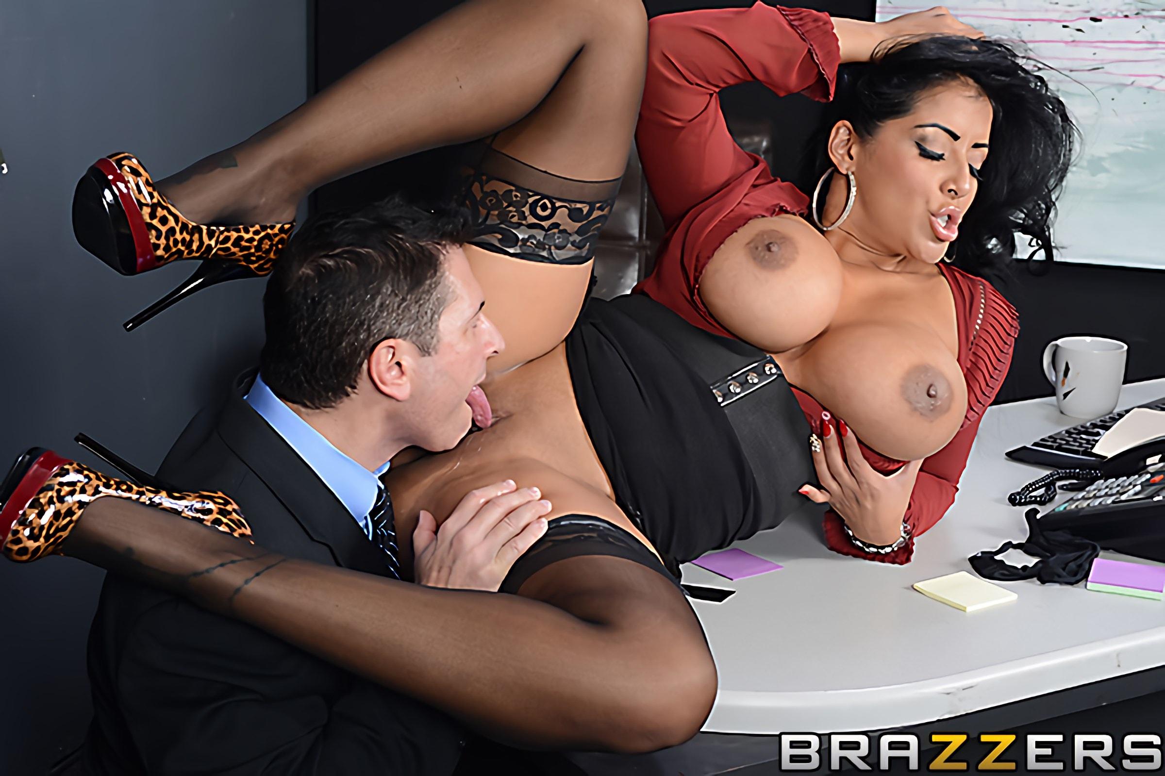 Brazzers 'My Boss Is A Creep' starring Kiara Mia (Photo 10)