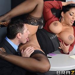 Kiara Mia in 'Brazzers' My Boss Is A Creep (Thumbnail 10)