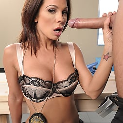 Kirsten Price in 'Brazzers' To Live and Fuck in LA Part 1 (Thumbnail 2)