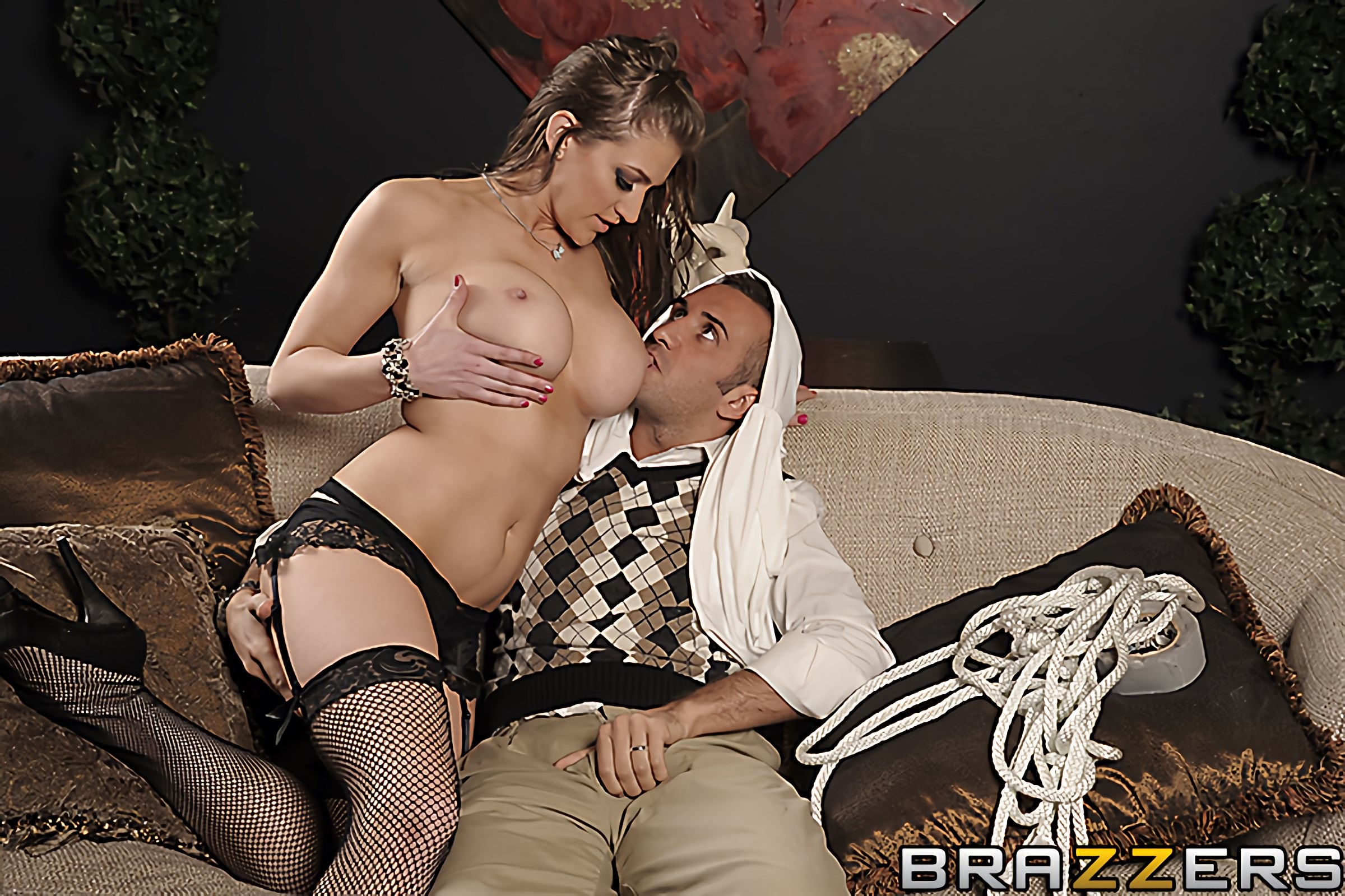 Brazzers 'Slut At Large' starring Eve Laurence (Photo 12)