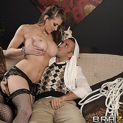 Eve Laurence in 'Brazzers' Slut At Large (Thumbnail 12)
