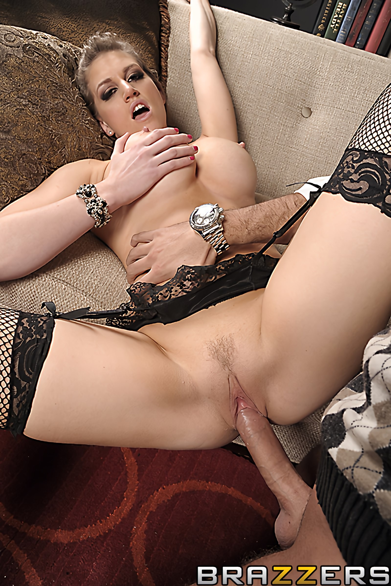 Brazzers 'Slut At Large' starring Eve Laurence (Photo 13)