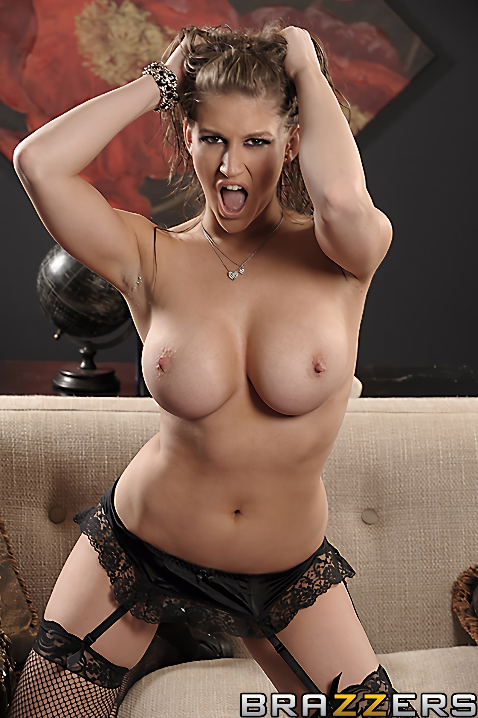 Brazzers 'Slut At Large' starring Eve Laurence (Photo 15)
