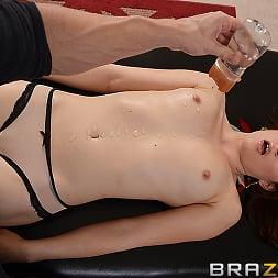 Jenna Ross in 'Brazzers' Splash Time (Thumbnail 2)