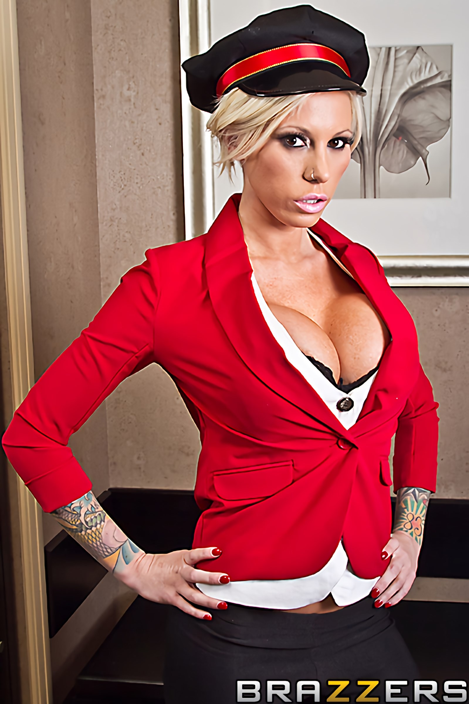 Brazzers 'Bagging the Bellgirl' starring Lolly Ink (Photo 1)