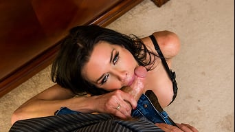Veronica Avluv in 'I Think Someones Banging My Wife'