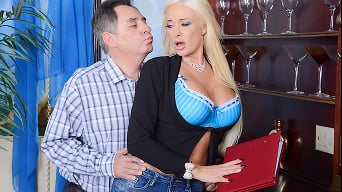 Summer Brielle in 'The Trophy Wife'