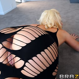 Candy Manson in 'Brazzers' Anal Beads and a Shower Fuck (Thumbnail 6)