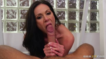 Kendra Lust - Going Deep at the Gym