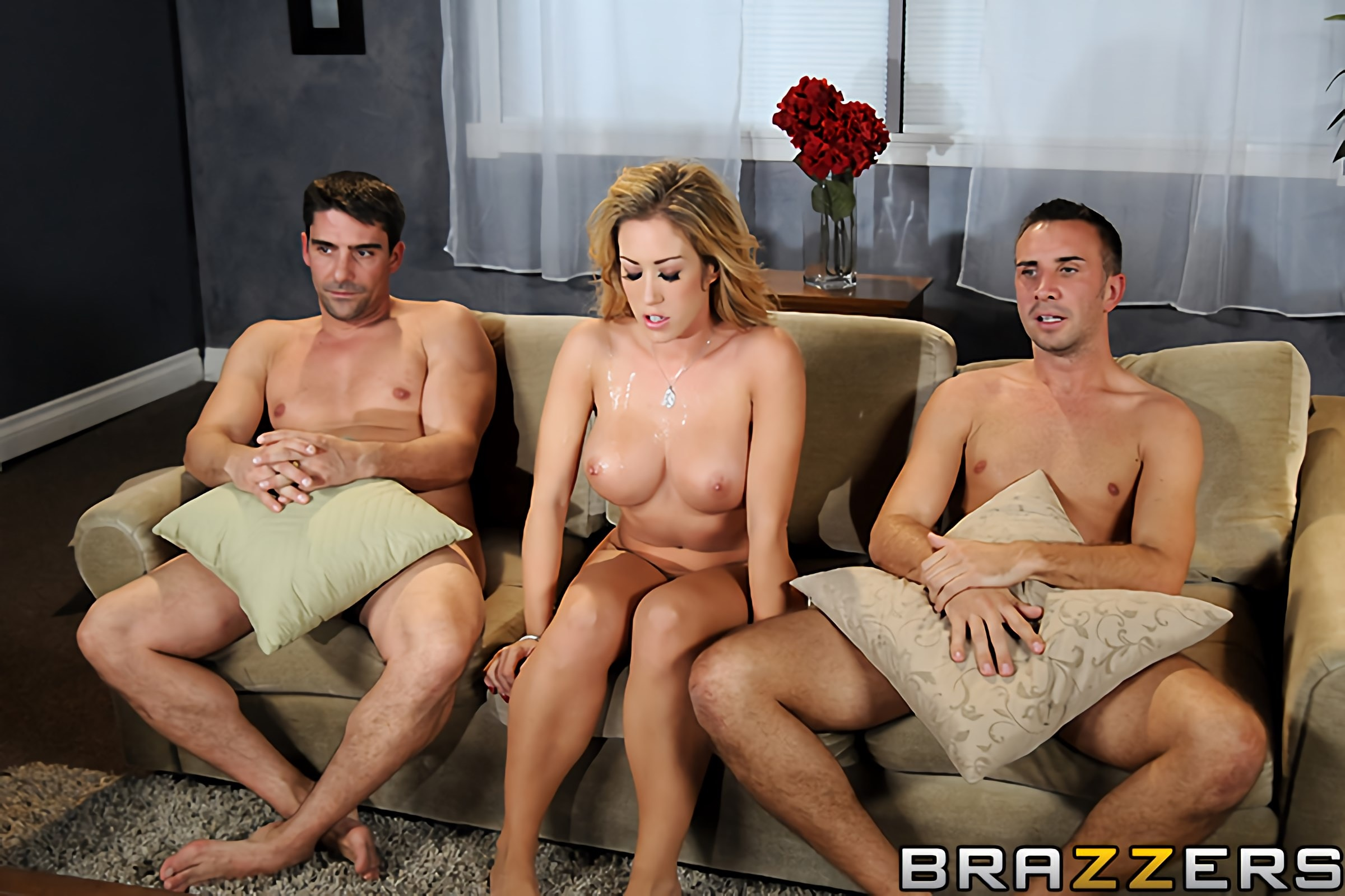 threesome-in-marrage-nakedbrassiere